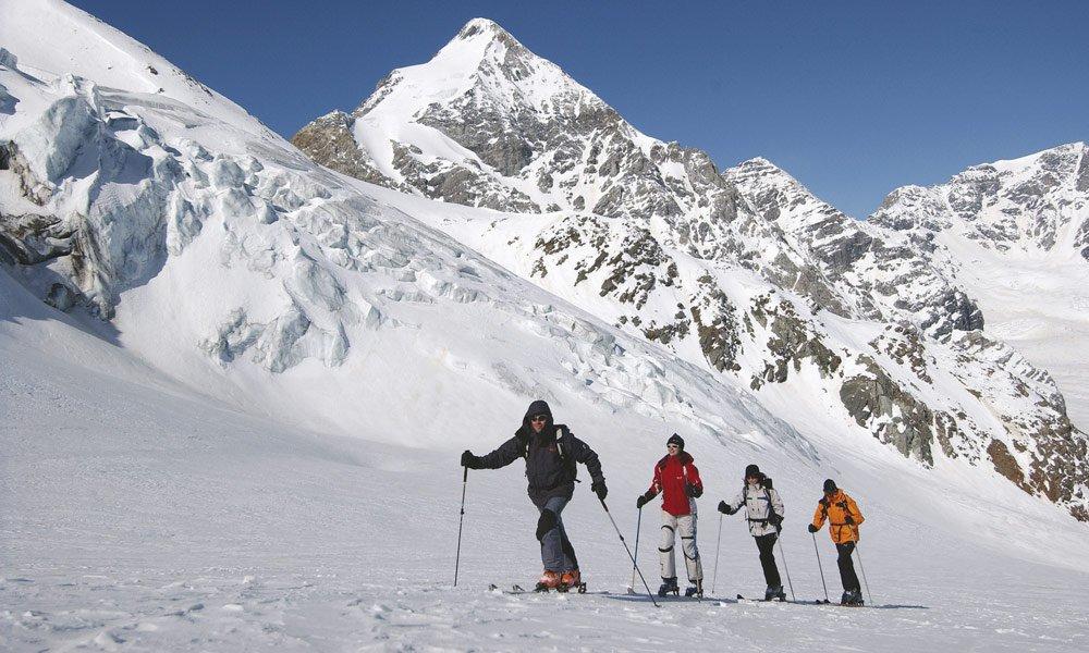 Skitouren gehne abseits der Pisten